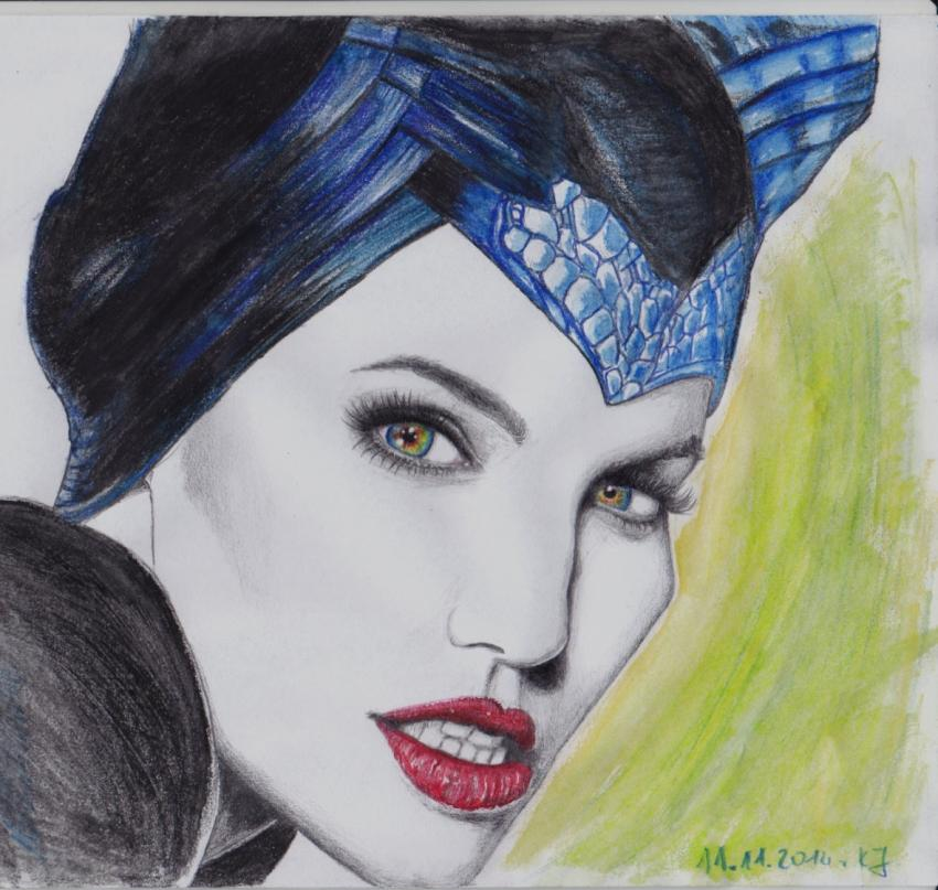Angelina Jolie por ciastkozdzemem
